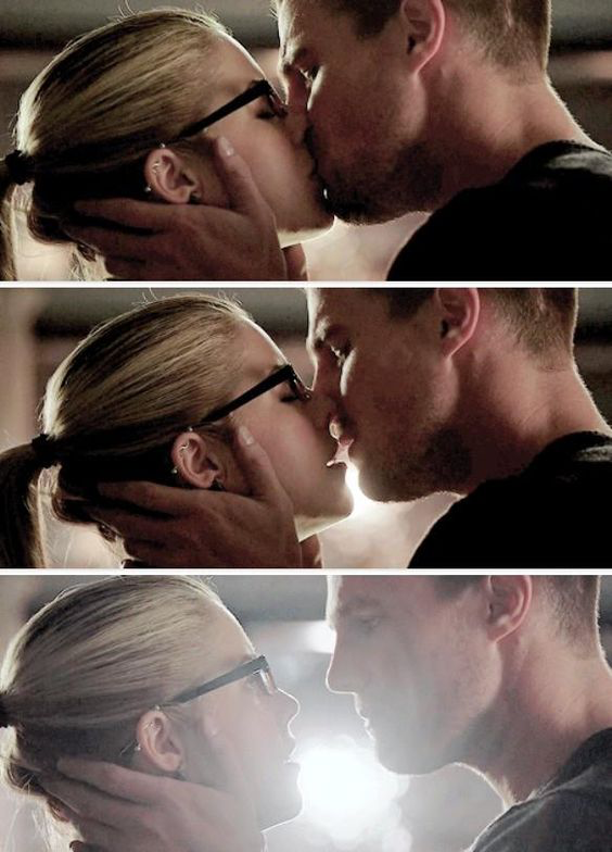 """""""Don't ask me to say that I don't love you""""   #OlicityLove 😍❤️🔝🎉 #3x01"""