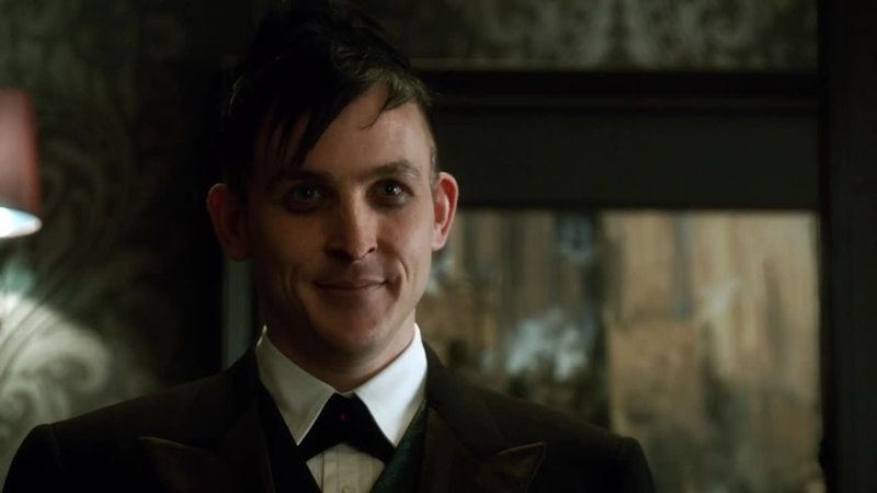 i've just started gotham but i'm already in love with the penguin! the character is amazing, he's kinda creepy and i love it 😍