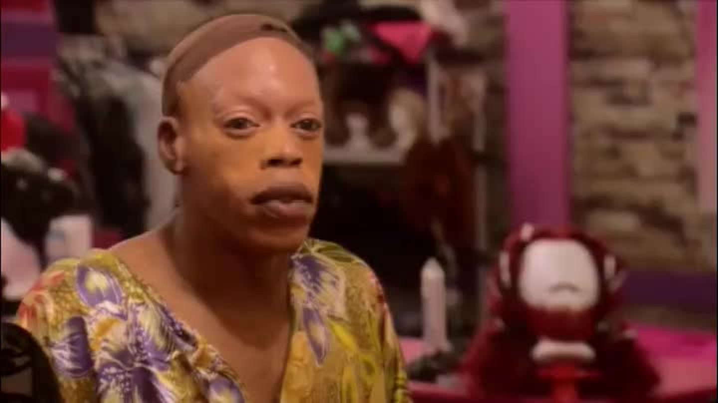 """i don't even understand why jasmine was cast. she's beyond arrogant and thinks she knows drag better than """"the young girls"""". good riddance, bitch. be gone."""