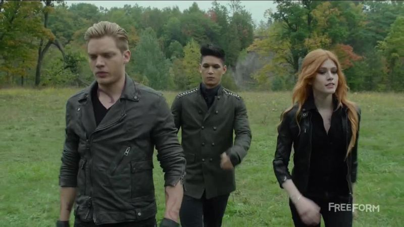 """""""SO , BROTHER AND SISTER""""   MAGNUS BEST ICE-BREAKER ON THE UNIVERSE 😂😂😂😂😂😂😂😂 laughed so hard !!"""
