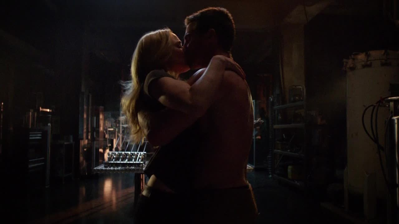 OMG ! Oliver gonna bang every girls in the city except one : FELICITY !