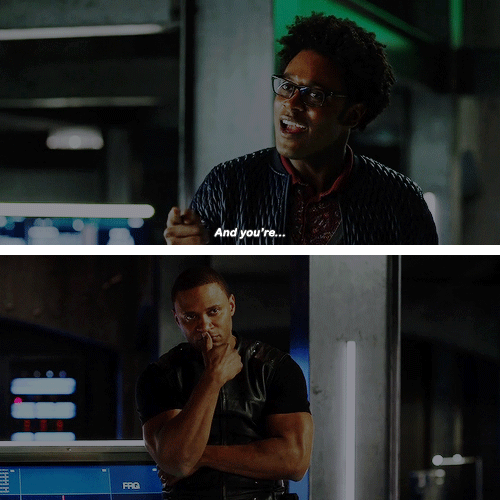 I LOVE CURTIS!!!! And diggle reaction LOL