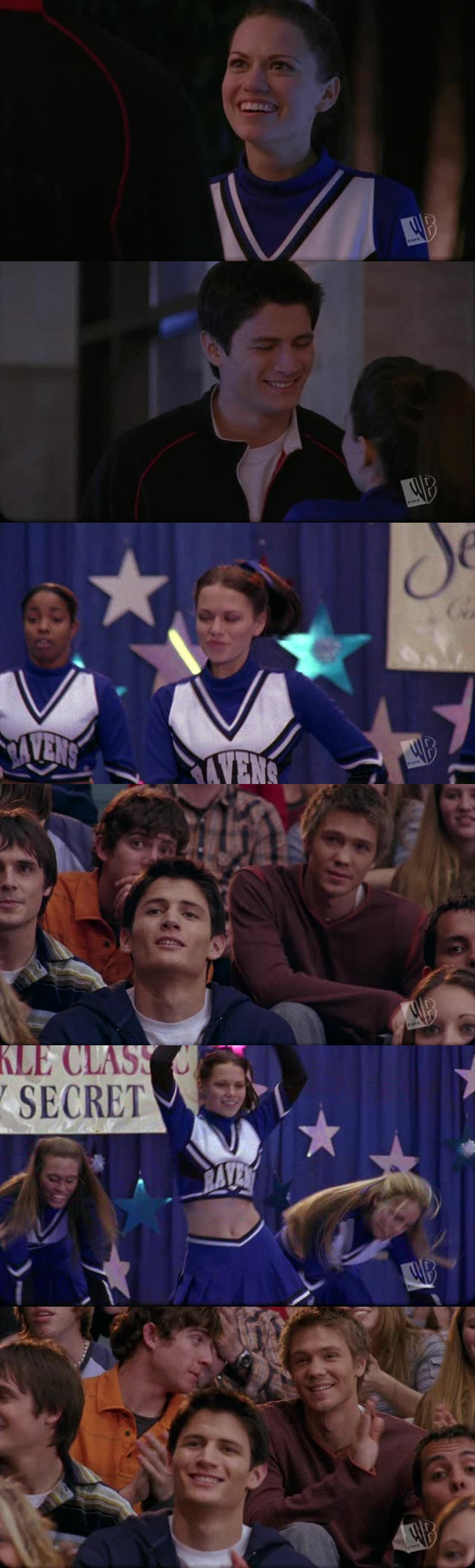 I love when Nathan looks at Haley ❤️