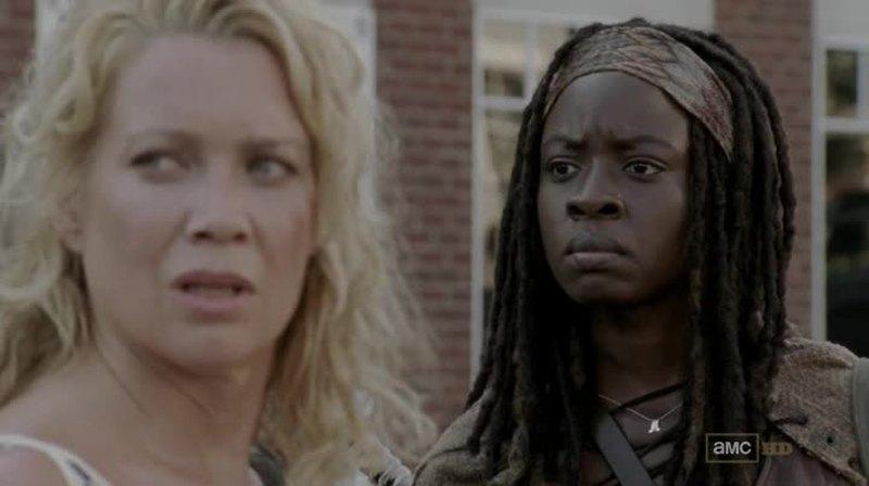 Je crois que Michonne a fait le bon choix en se barrant de cette secte. Andrea va regretter d'être restée.