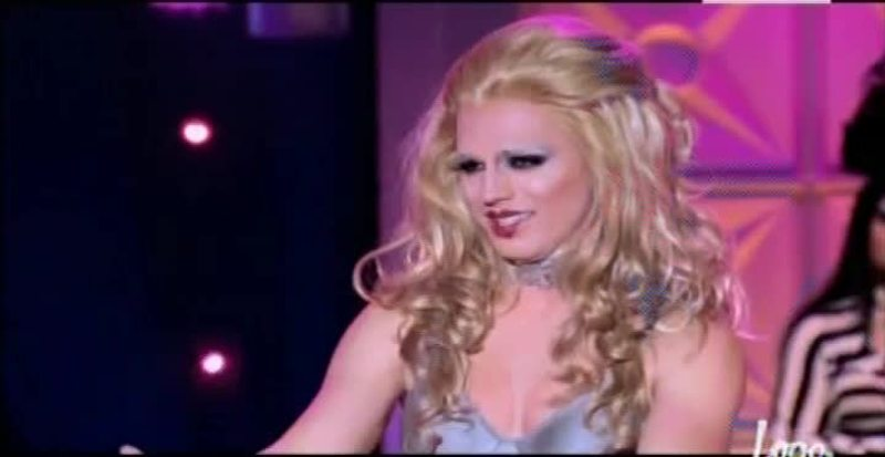 "Derrick deserved to be on bottom 2, but she deserved to win the lipsync too. Stop being so bitches to her, she's doing her best. She said that she put herself on the ""britney box"" and she's trying to get out. Put some faith!"