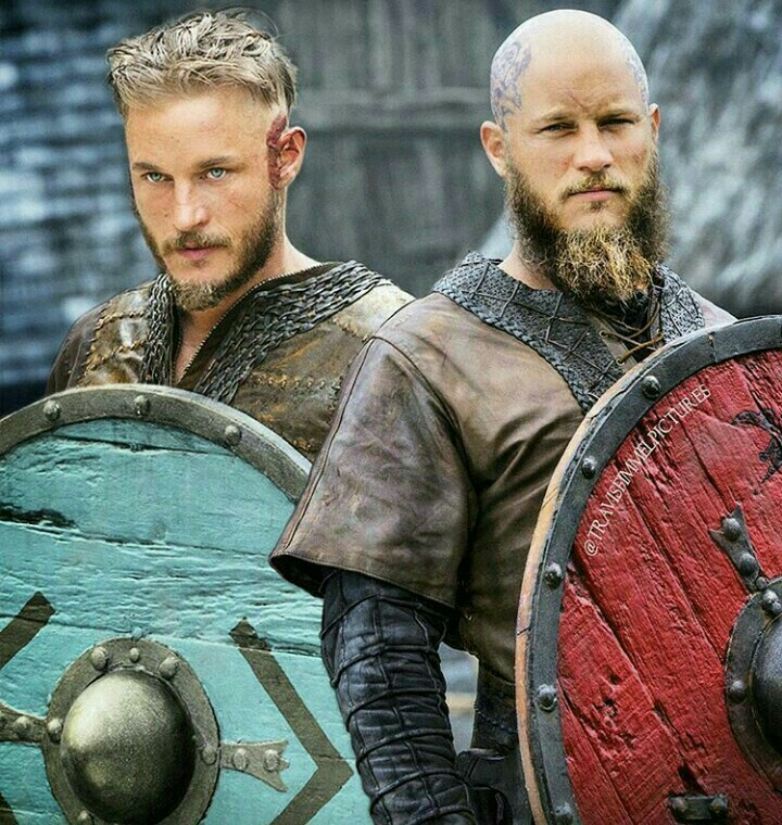Ragnar from season 1 and season 4. How time flies....