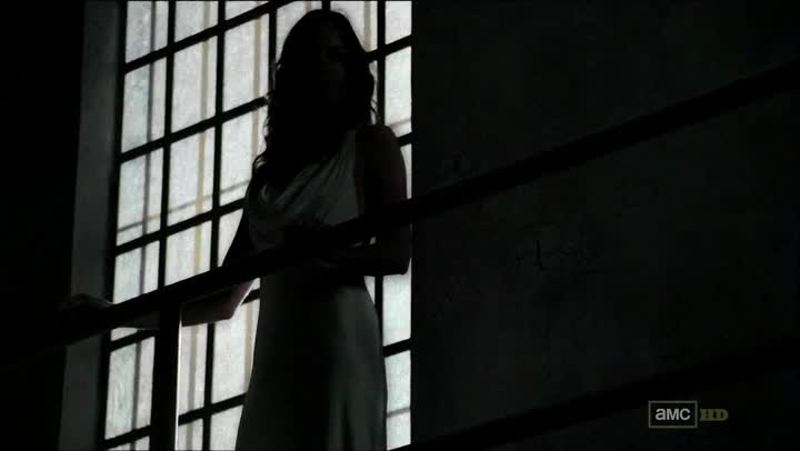 First Shane, now Lori. Somebody call the Winchesters, we have a serious problem here. (Btw almost had a heart attack during this scene)