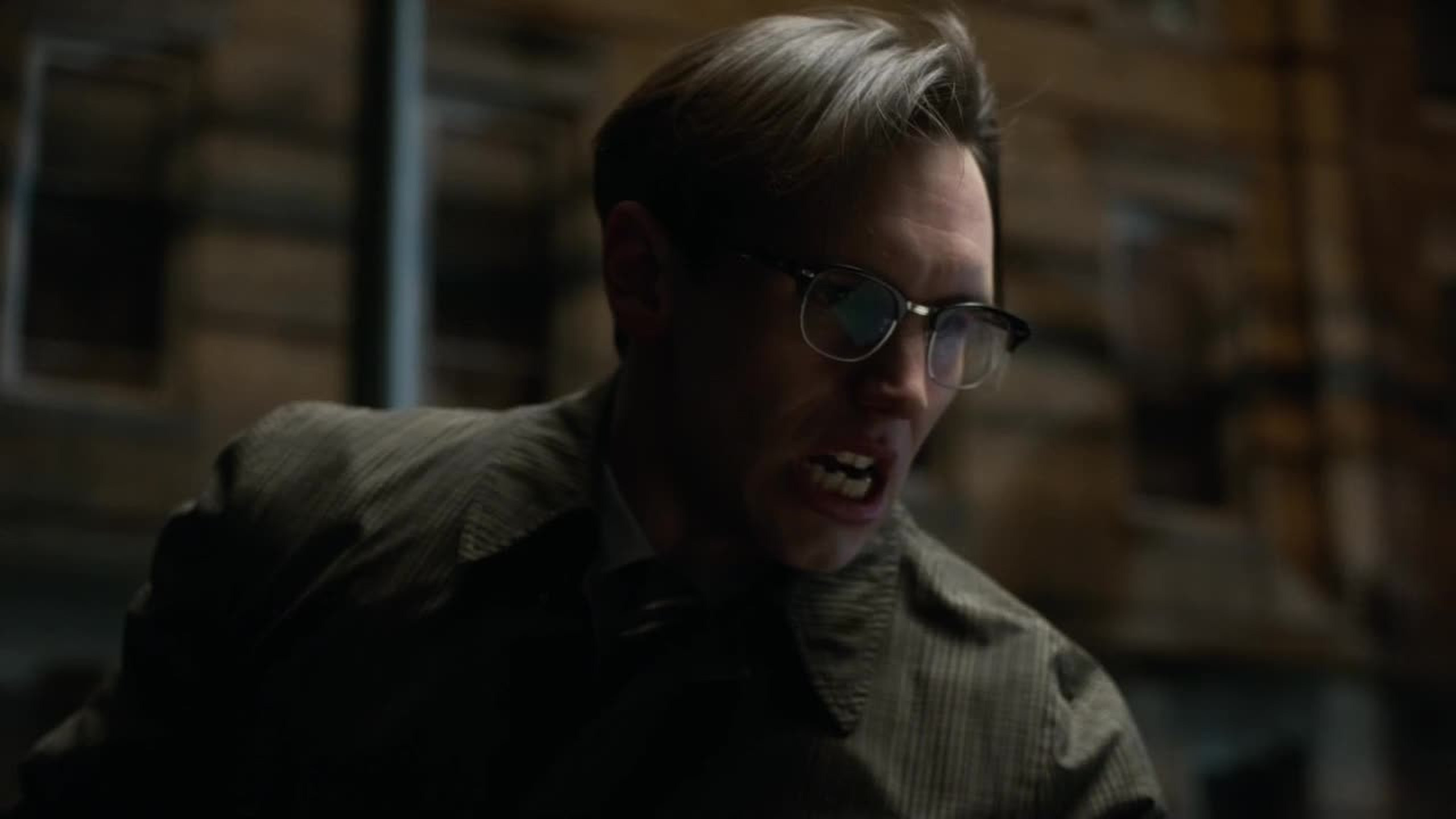 The actor that plays Nygma is really doing a great job. His face of insanity after he stabbed that guy was top notch.