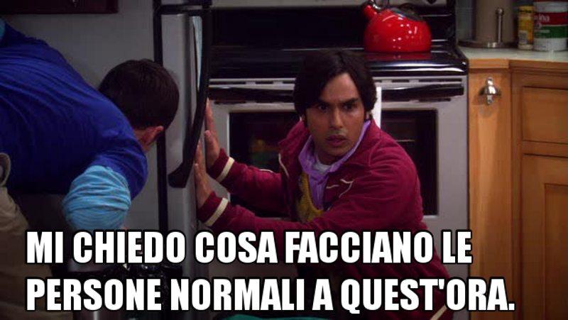 Sheldon e Howard scommettono due fumetti rarissimi su un semplice grillo. Raji è illuminante.