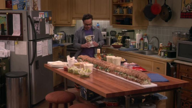 That's a very very very very long sandwich!!!
