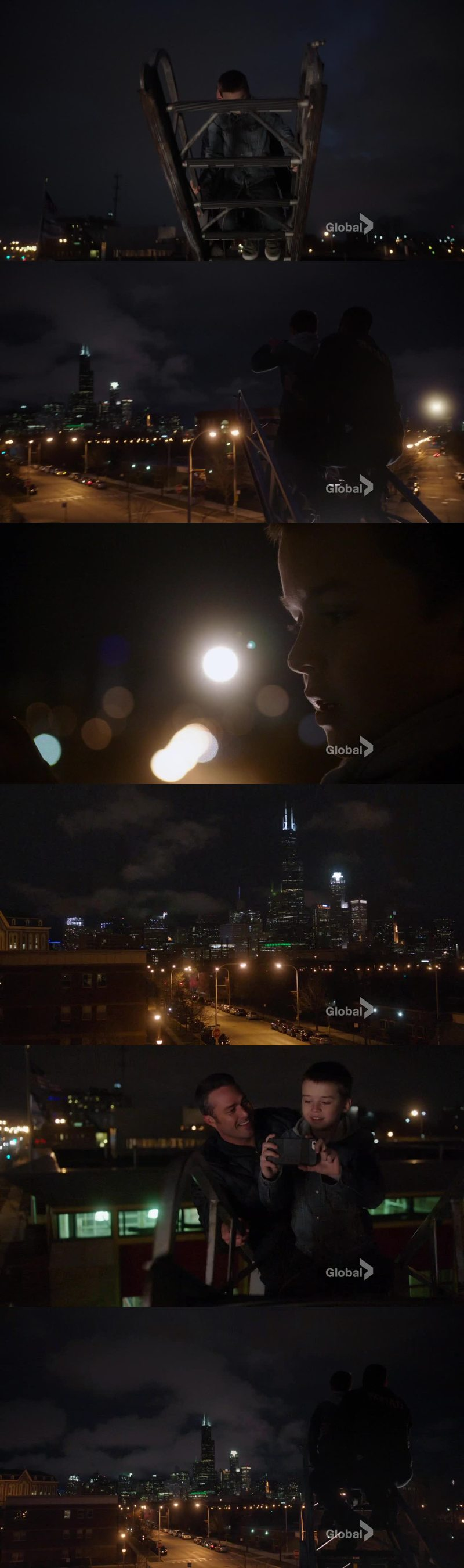 That scene as incredibly beautiful for so many reasons, the main one being the Chicago skyline.  Guys, I'll never regret moving in Chicago. That view is amazing, day or night, I can't stop loving it. The beauty of Chicago.  Come visit! I'll show you the city and the firehouse 😉