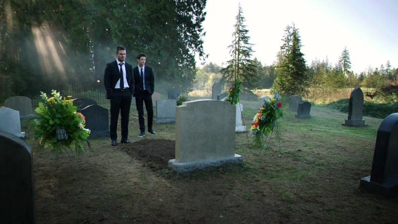 """Oh my god, who wrote this dialogue ? It was so poorly written :   The flash is here,  Oliver : """"I wanna be left alone""""  The flash is leaving    Thank you Barry for this crossover..."""