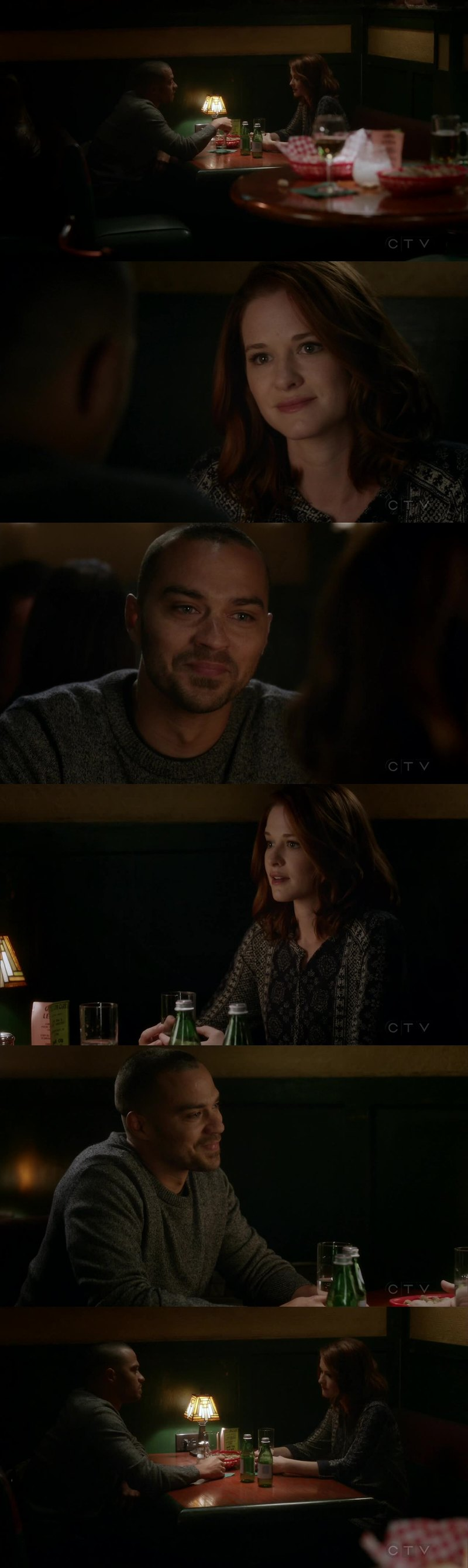 And there's a #Japril moment! I love them ! ! ! ! The way they speak to each other. The way they look at each other ! They're meant to be TOGETHER ! 😍😍  Plus, Jackson drinks water just like April. Husband drinks what wife drinks. 💋