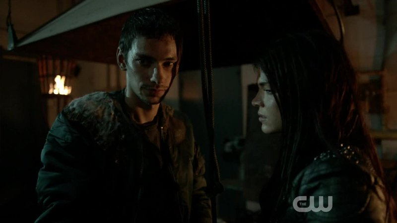 Remember the first season when Jasper had a crush on Octavia... Now it's... weird :p
