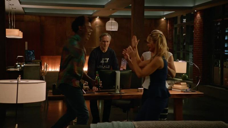 Curtis and Felicity's mom are so hilarious ! 😂