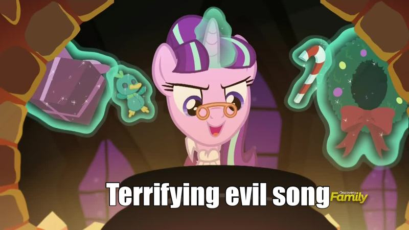 I love to see Ponyville in snow and I LOVED that episode !  That's an evil song brrrrr