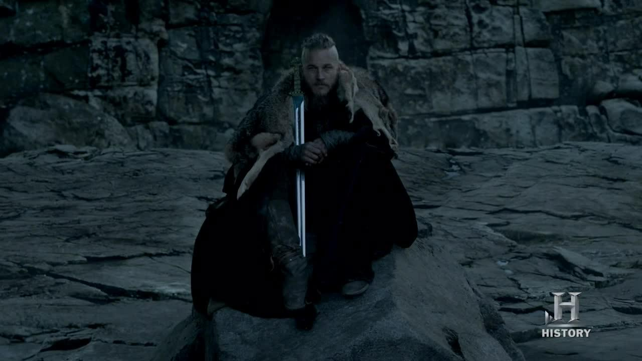 ALL HAIL THE KING RAGNAR.