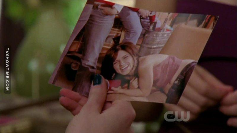 Brooke é a prova de mudança.   Quem olha a foto não imagina o que existe dentro da mente e do coração dela. Brooke Davis mudou mundos internos e nem sabe disso...