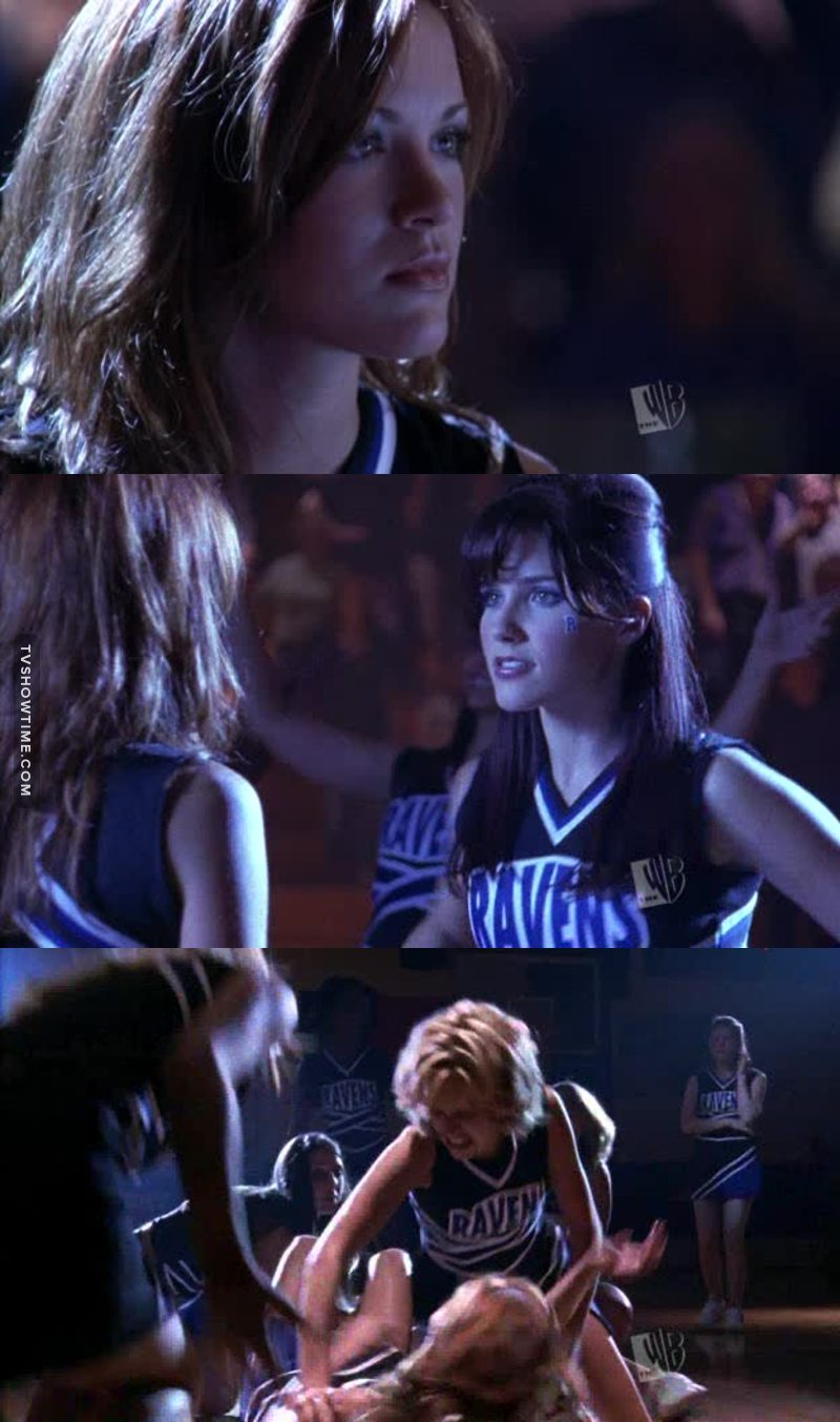 Love Breyton, and love Peyton; she didn't wait even a second to bring Rachel down where she belong. I hate those crazy bitches who are there just to ruin other people's life.