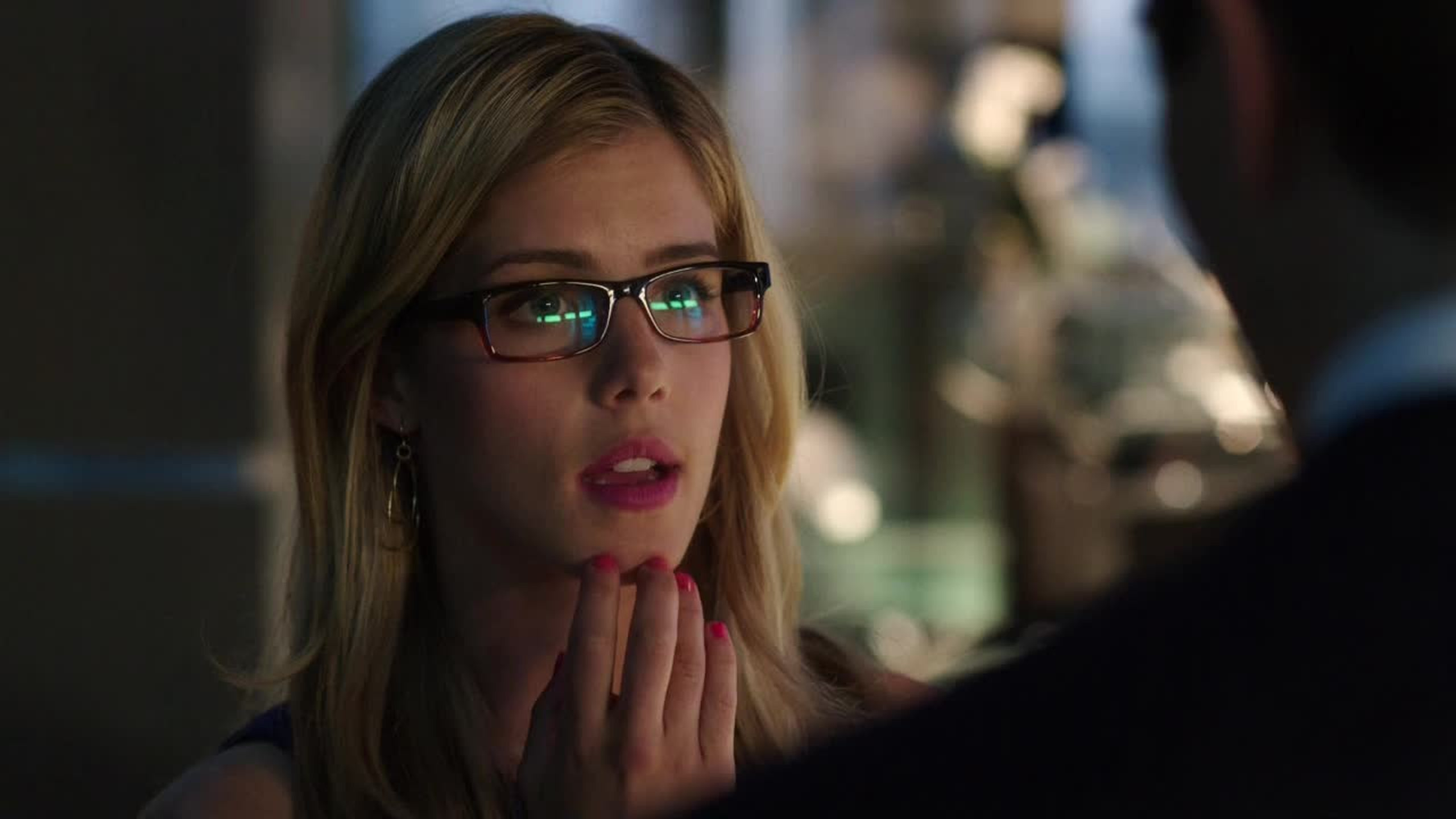 There's going to be Felicity flashbacks in episode 5! I can't wait to see her past!!