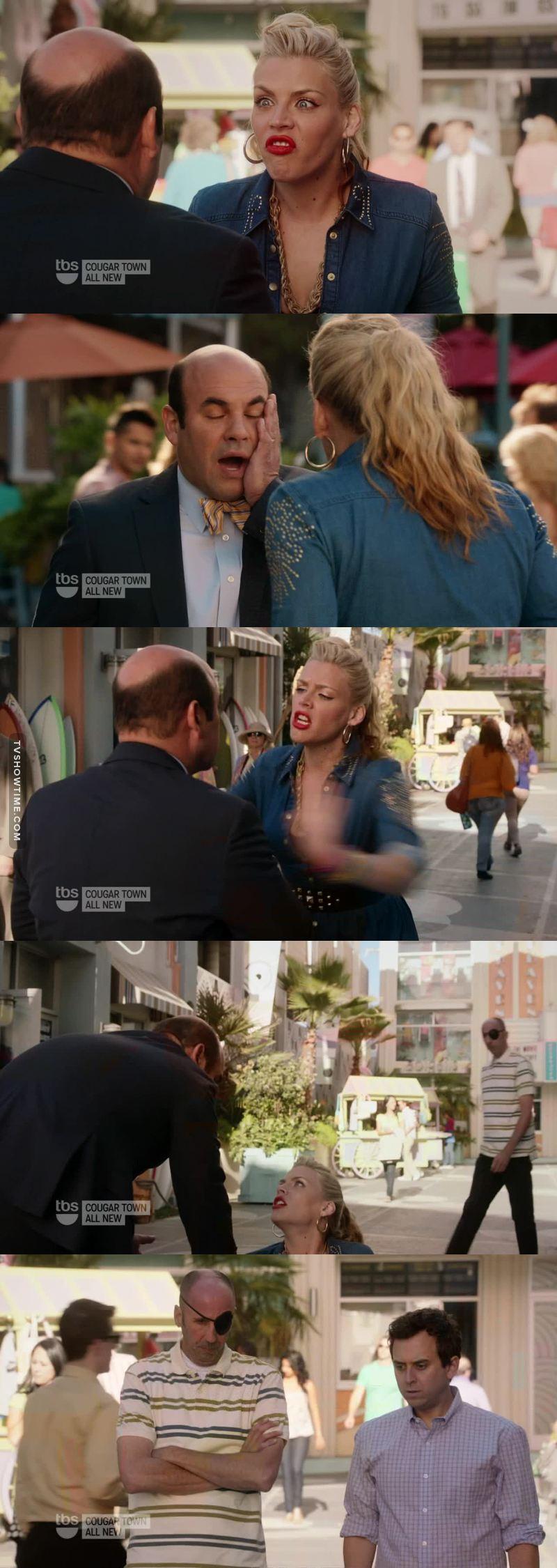 """""""il sindaco sta picchiando una ragazza"""" 😂"""