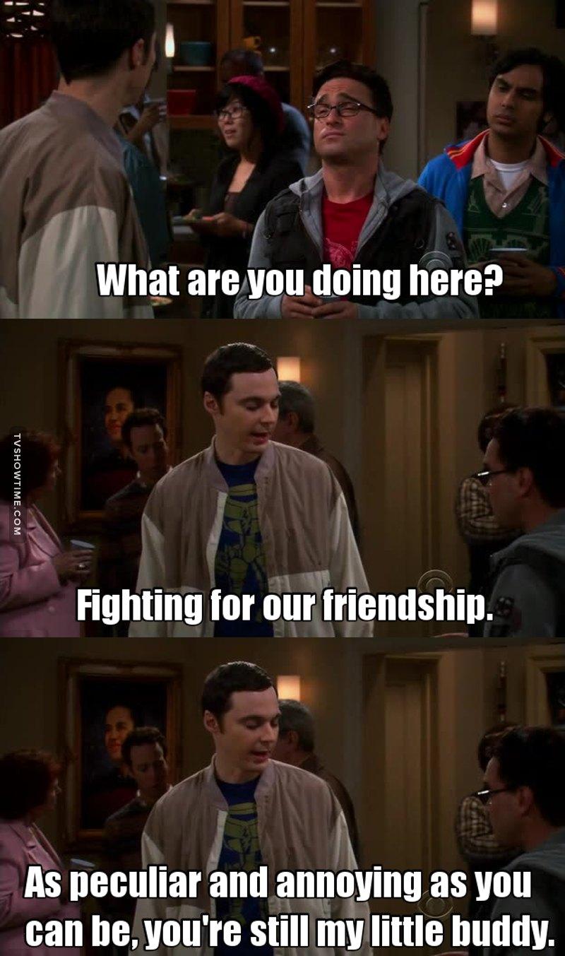 Sheldon dimostra l'affetto in modo strano, ma è Sheldon e quindi tutto è lecito.