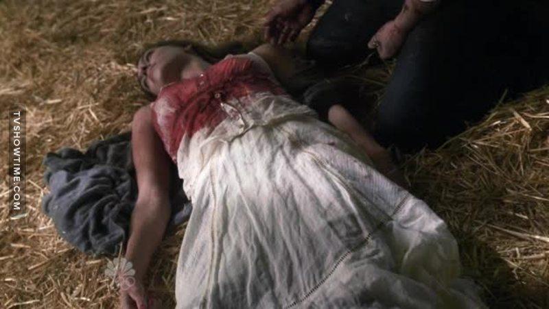 Naturalmente con tutti gli stronzi che c'erano da uccidere è morta lei, l'unica che ha un cervello!! È naturalmente a Claire non sfiora neanche l'idea di usare il suo sangue!