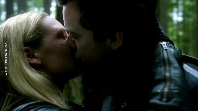 Their first kiss this season. Finally. Love them.