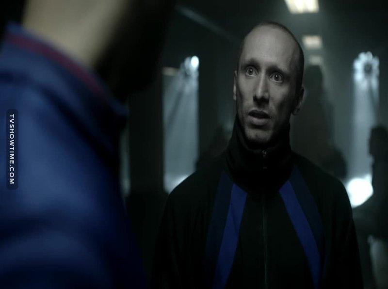Isn't he that cunt that killed Future!Simon? Bastard cunt.