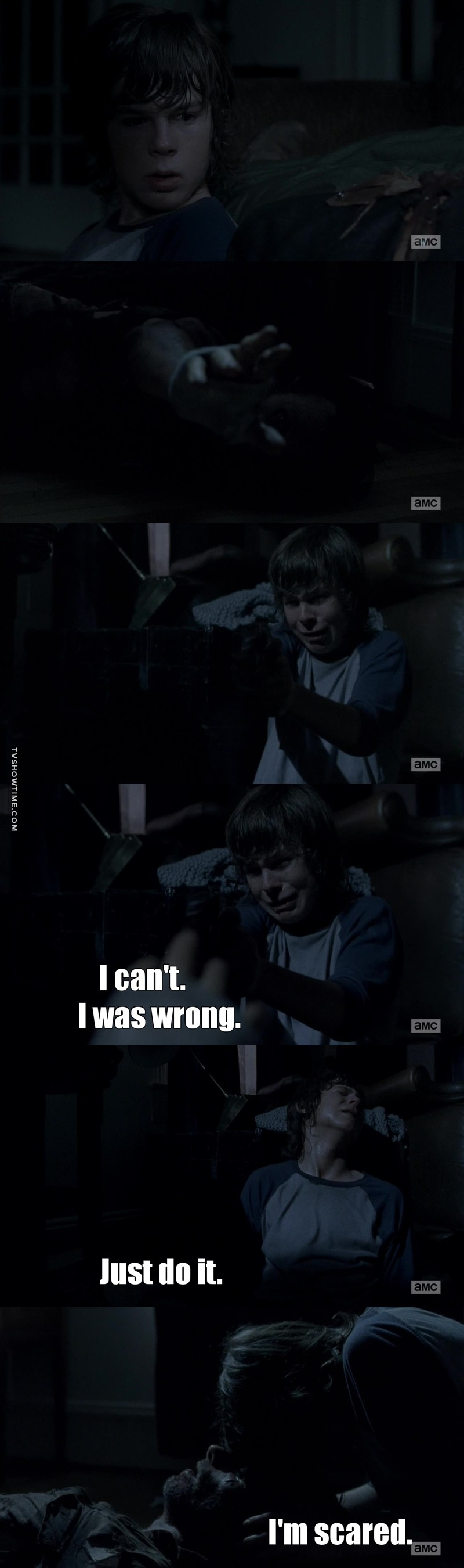 This scene broke my heart 😭😭😭😭. Poor Carl he couldn't do it😭. He couldn't live in a world without his father in it 😢💔