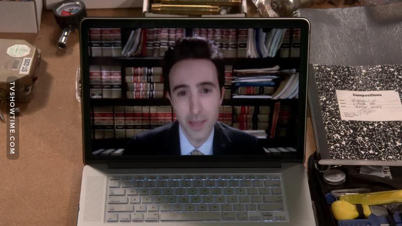 He really looks like Howard 😂