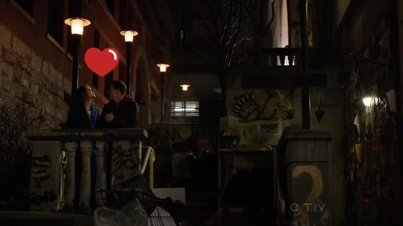 Thea and Roy are too cute omg