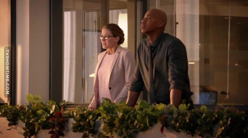 """CW já ganhou meu apoio quando acabou com esse """"romance"""" sem graça já no primeiro episódio da temporada."""