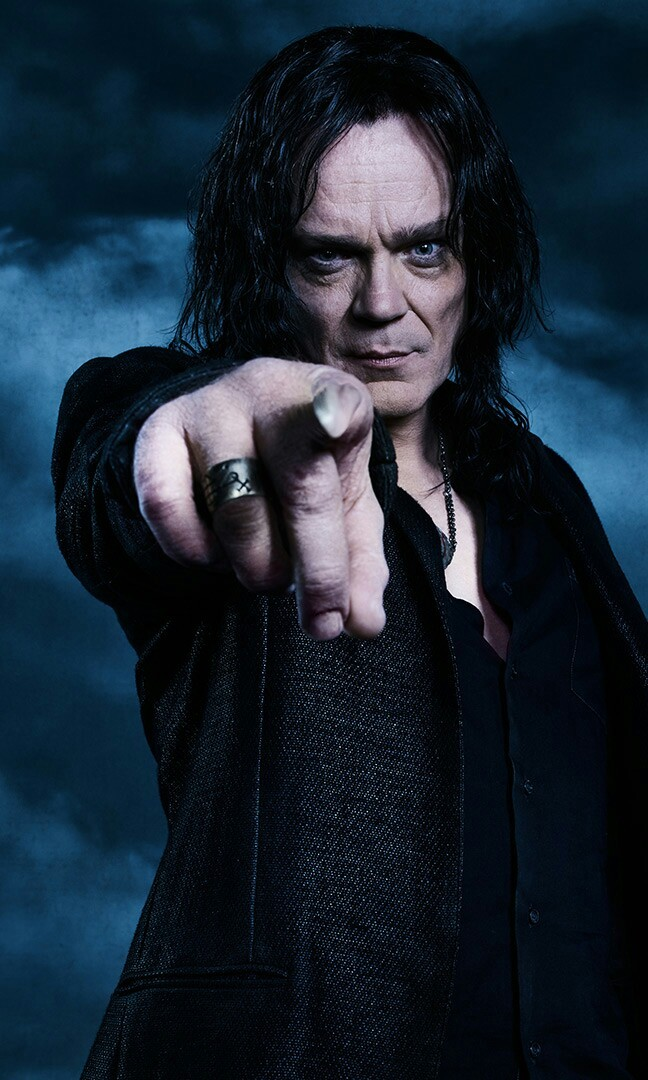 """He stole the dagger, he told Lawless """"We had a deal"""". HE'S RUMPLE! 😂"""
