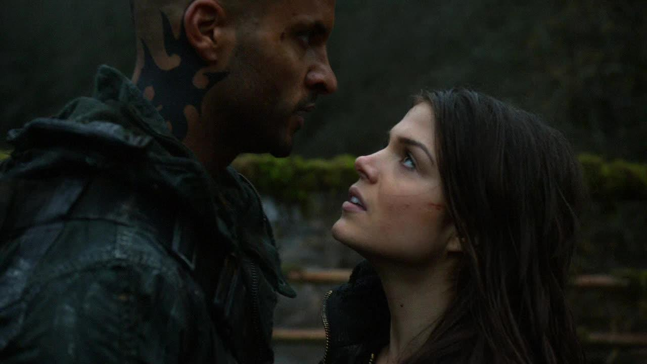 Octavia and Licoln are so cute, Bellamy get over your jelousy.