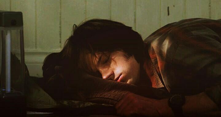 Sam sleep like me 😂