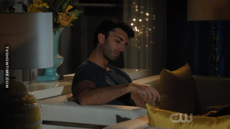 Tv Time - Jane The Virgin S03E07 - Chapter Fifty-One -3430