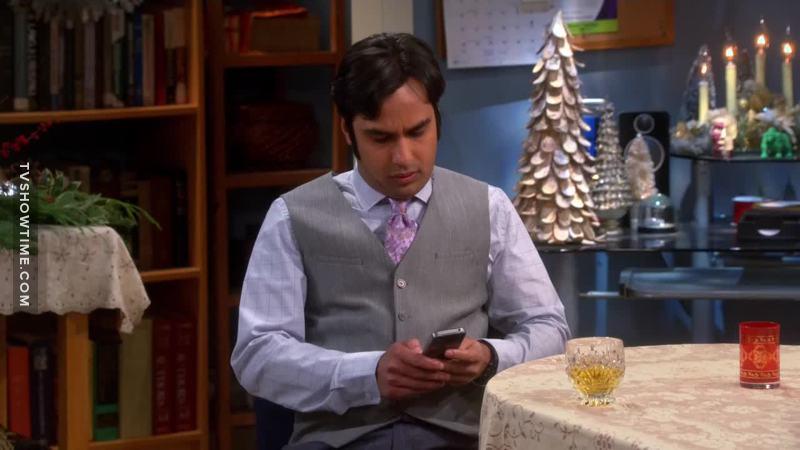Raj looks so much better dressed like that 👌
