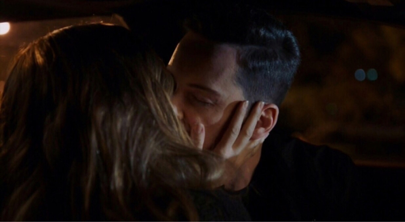 I want to have a job that also allows me to kiss my boyfriend while doing it HAHAHA  Thank god for linstead! And she must really love him, since she let him drive  😂😂❤❤❤