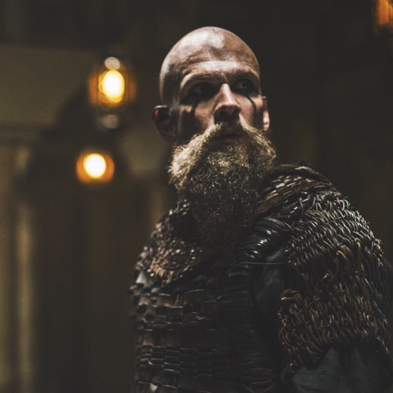 I got goosebumps when floki entered the mosque 😍😍😍 Legendary scene