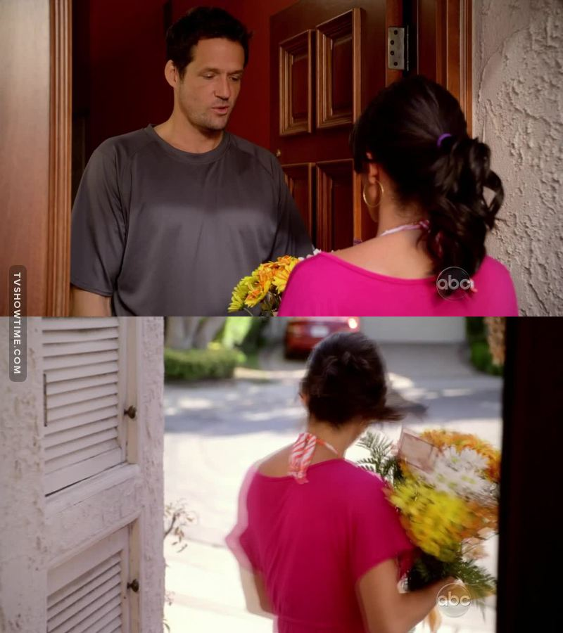His smile when he closed the door was too cute!