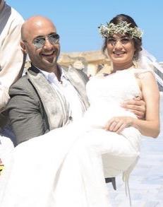 Tre cose essenziali per un matrimonio duraturo: 1.  BASTIANICH WEDDING PLANNER 2. BASTIANICH FOTOBOMBER 3. BASTIANICH CHE SI LIMONA LA SPOSA