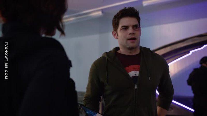 Is Winn using a Captain America t-shirt on a DC show? o_O