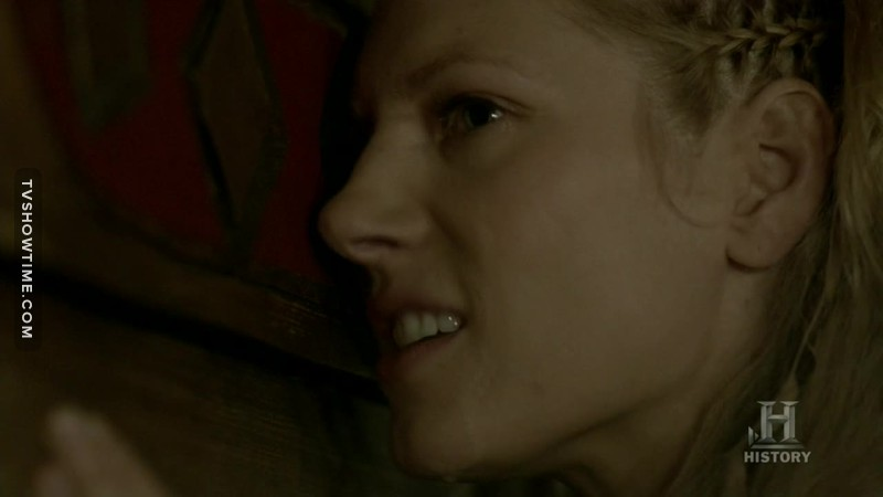 """""""I have never stopped loving you. Not for one moment. You and I were born to be together""""  We know lagertha... we know 💔"""