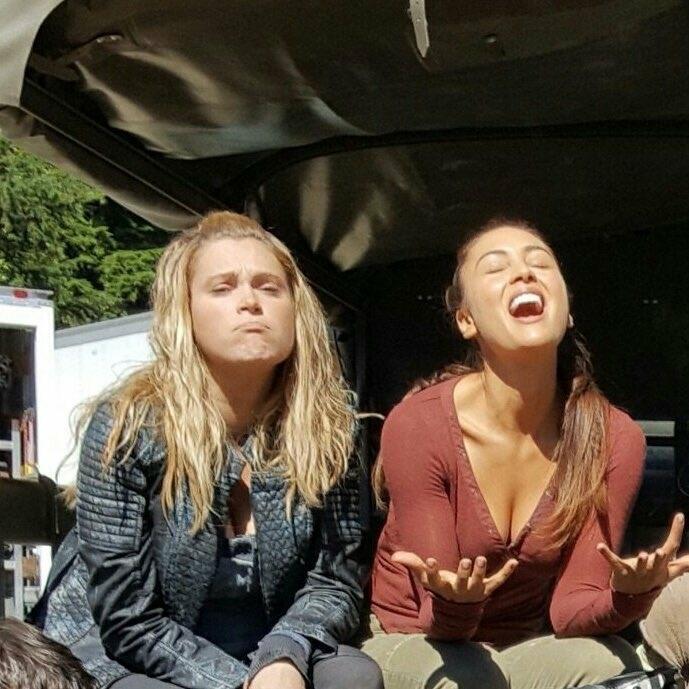 I love Clarke and Raven's friendship