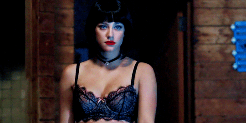 THIS SCENE WAS SO HOT and got Veronica so shook.