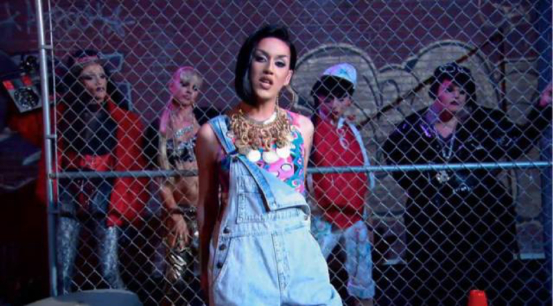 Wow Katy Perry looks amazing in that music video.