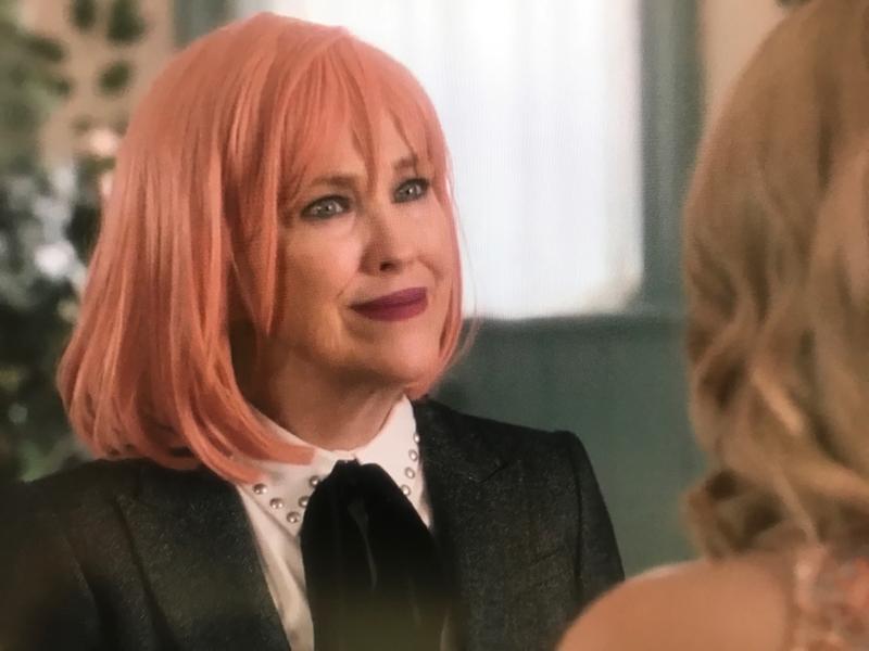 Loooove Moira's new wig!
