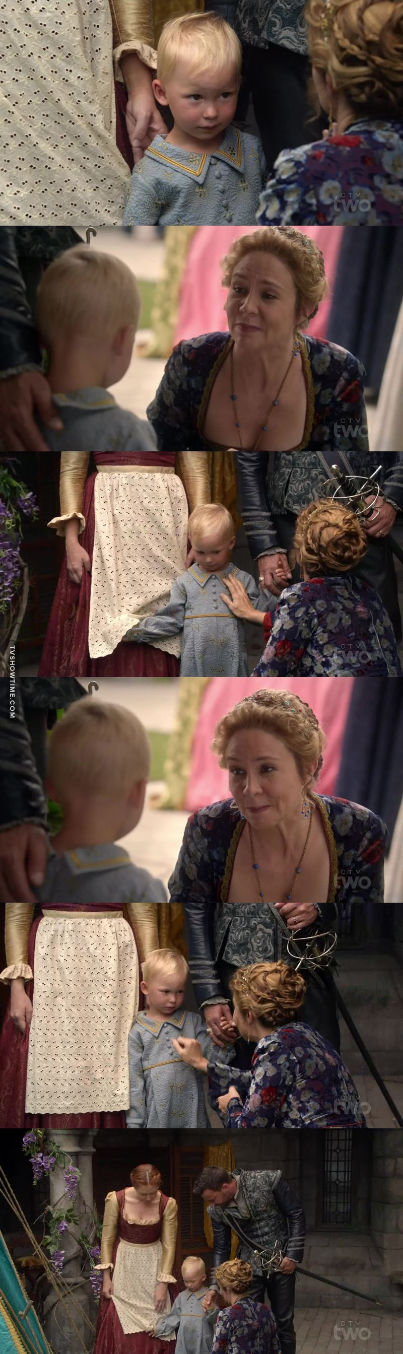 this scene melted my heart, catherine was so sweet with the kid and look at her face😻