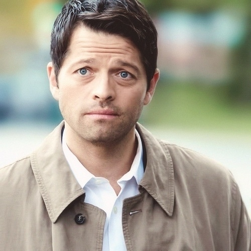 I miss Cas. I mean look at that face!!